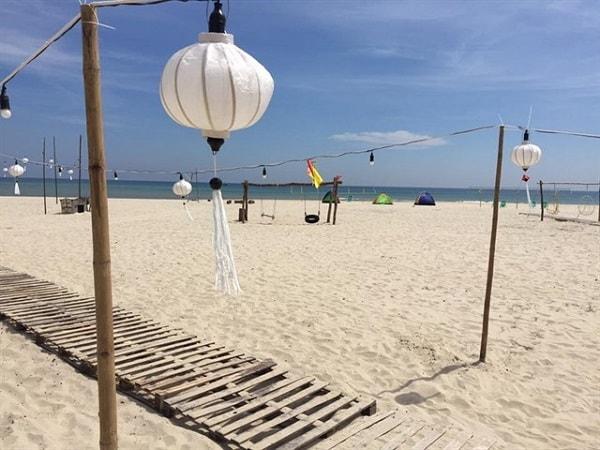 Cảnh Dương Beachcamp là khu cắm trại nằm trên bãi biển nguyên sơ tuyệt đẹp