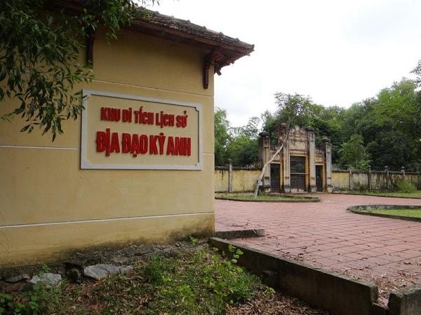 Đặt vé máy bay đi Chu Lai Tam Kỳ tham quan Địa đạo Kỳ Anh